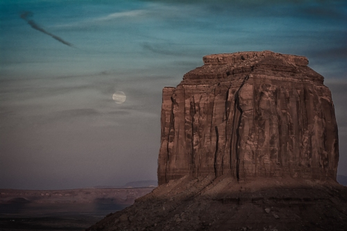 We scheduled our visit to Monument Valley to coincide with the full moon. Very challenging, but fun fun fun.