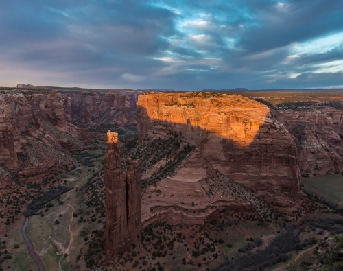 The third sunset at Canyon De Chelly produced an okay photograph, a wonderful experience, and also got me a new tripod.